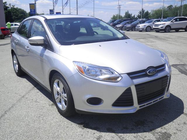 Used Ford Focus 4dr Sdn SE